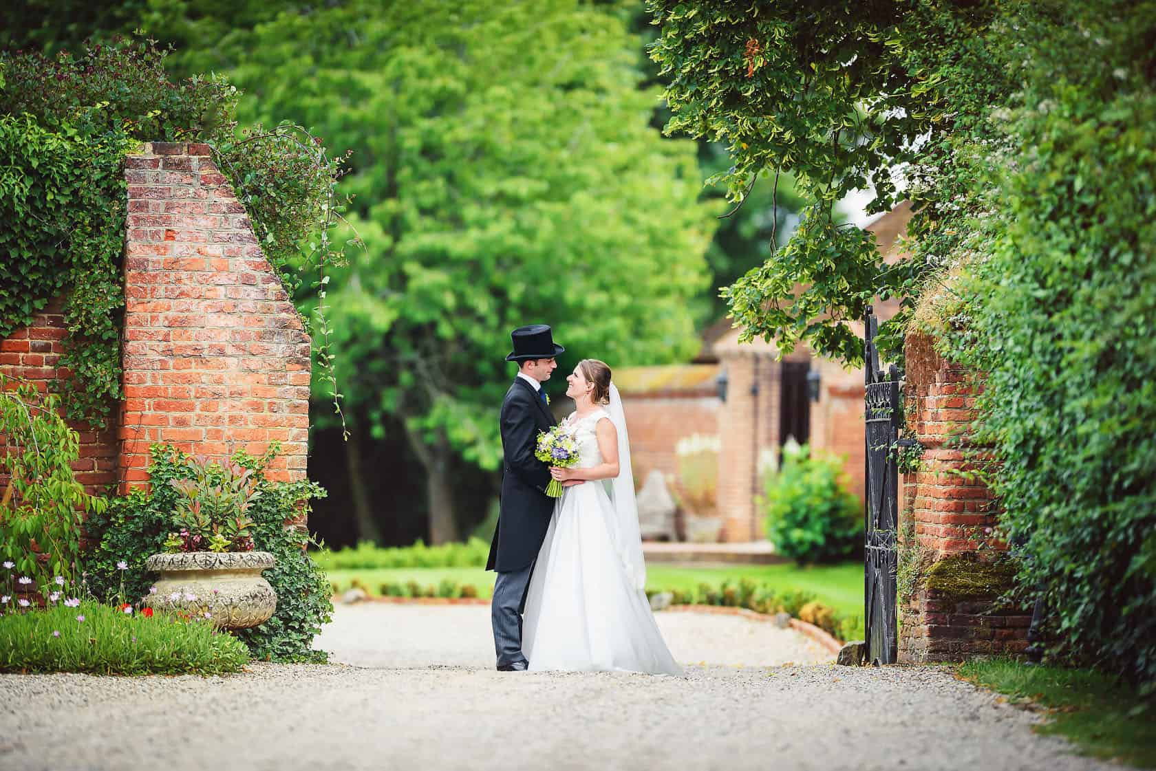 Wedding Photography Leez Priory, Wedding Photographer Leez Priory : Hannah+Edward