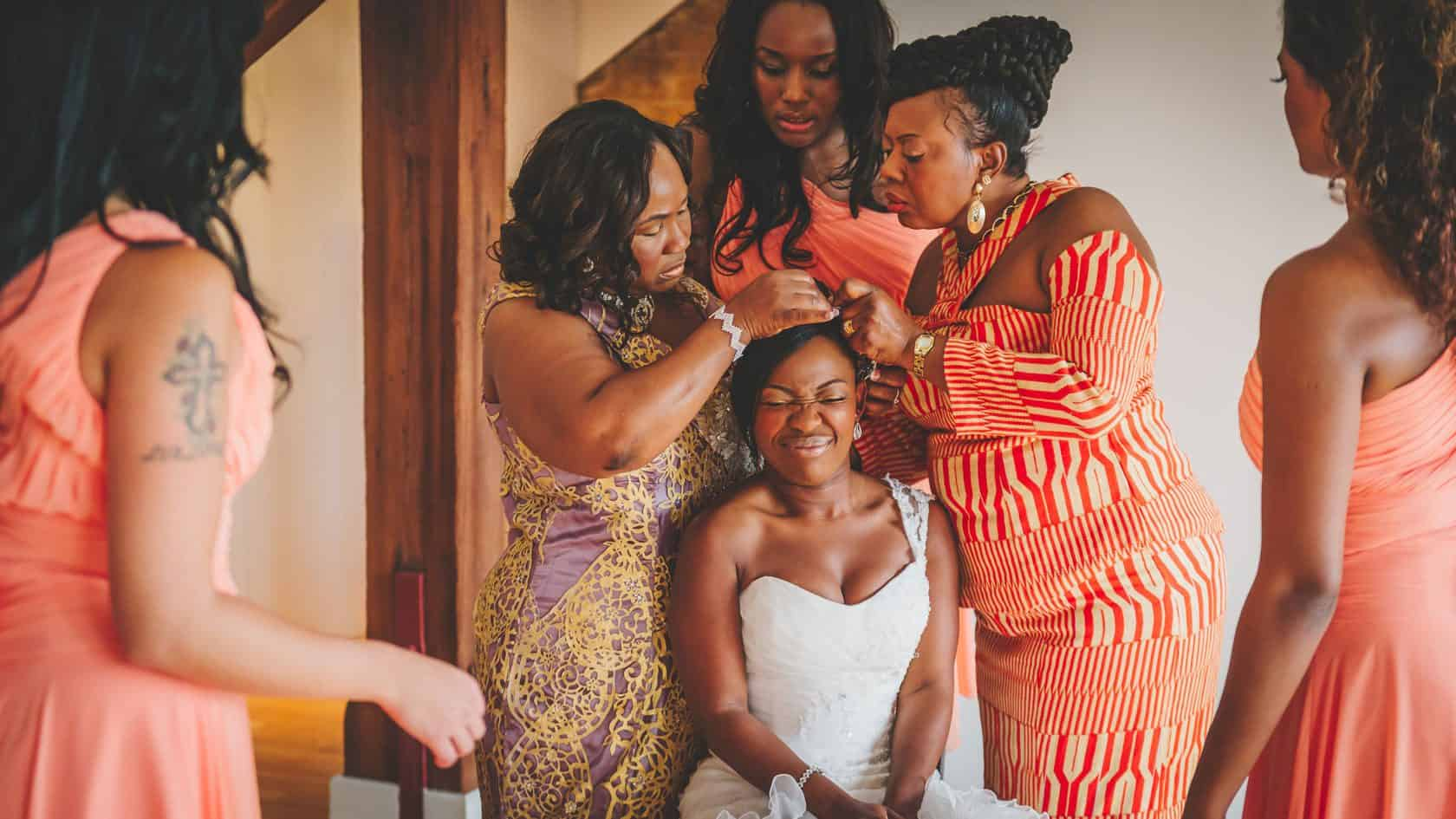 Documentary-Wedding-Photography-Justin-Bailey-Girls-getting-ready